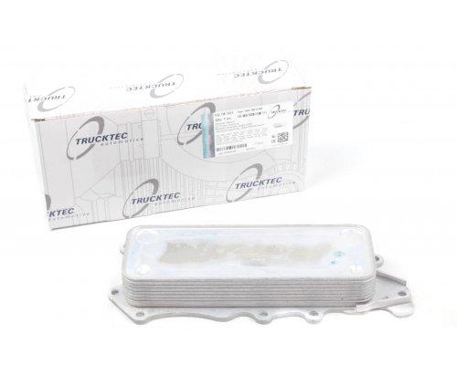 Радиатор масляный / теплообменник MB Vito 639 3.0CDI 2006- 02.18.101 TRUCKTEC (Германия)
