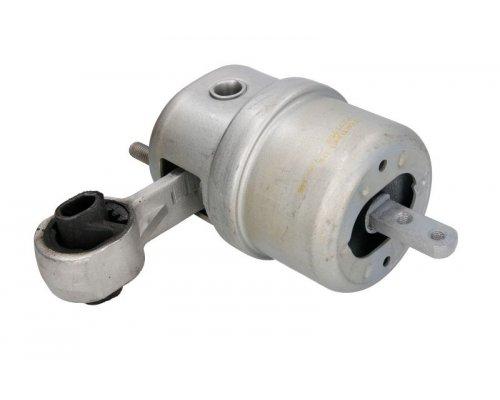 Подушка двигателя передняя левая (без кронштейна) VW Transporter T4 2.5 / 2.8 (бензин) / 2.4D / 2.5TDI 90-03 04764 METALCAUCHO (Испания)