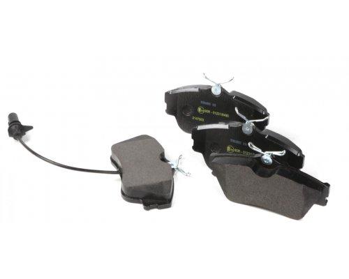 Тормозные колодки передние с датчиком (R15, сплошной диск, 129.7x65.2x19mm) VW T4 90-03 0986424672 BOSCH (Германия)