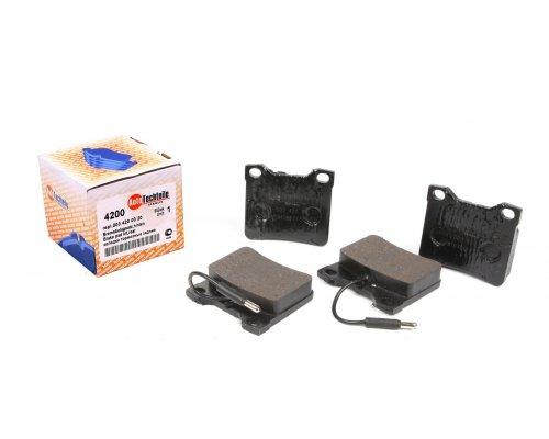 Тормозные колодки задние c датчиком (система ATE) MB Vito 638 1996-2003 1004200 AUTOTECHTEILE (Германия)