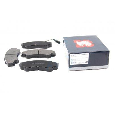 Тормозные колодки передние (с датчиком, R16) Fiat Ducato / Citroen Jumper / Peugeot Boxer 1994-2006 4163601010 JP GROUP (Дания)
