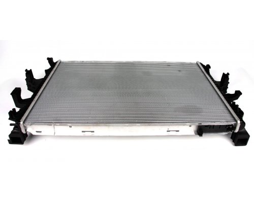 Радиатор охлаждения VW Transporter T5 1.9TDI / 2.0 / 3.2 (бензин) 2003-2015 53796 NRF (Нидерланды)