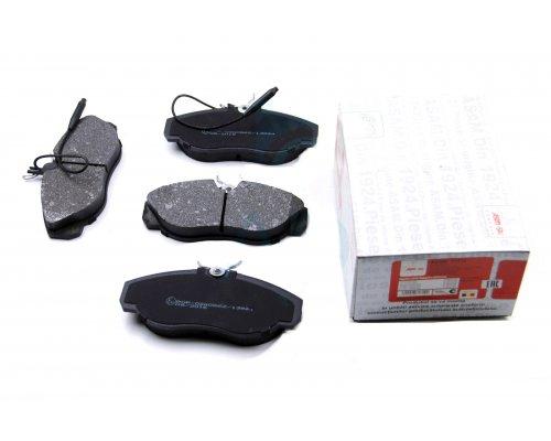 Тормозные колодки передние (с датчиком, R15) Fiat Ducato / Citroen Jumper / Peugeot Boxer 1994-2002 71712 ASAM (Румыния)