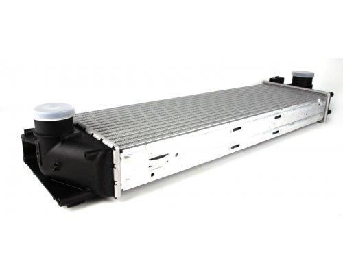Радиатор интеркулера (двигатель: OM646) MB Sprinter 906 2.2CDI 2006- 817994 VALEO (Франция)