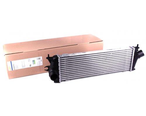Радиатор интеркулера Renault Trafic II / Opel Vivaro A 2.0dCi, 2.5dCi 107kW 03-14 818771 VALEO (Франция)