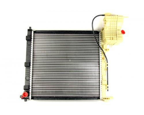 Радиатор охлаждения (механическая КПП) MB Vito 638 1996-2003 8MK376721-381 HELLA (Германия)