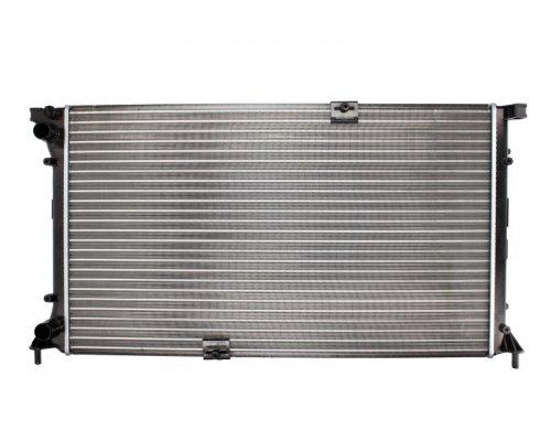 Радиатор охлаждения (c кондиционером) Renault Trafic II / Opel Vivaro A 2.0dCi 99kW 2001-2014 8MK376 771-771 HELLA (Германия)