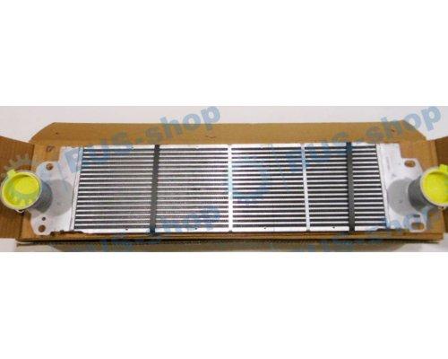 Радиатор интеркулера VW Transporter T5 1.9TDI / 2.0TDI / 2.5TDI 2003-2015 AC694819 MAXGEAR (Польша)