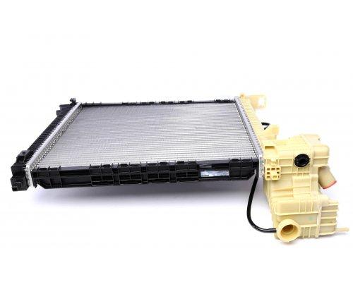 Радиатор охлаждения (механическая КПП) MB Vito 638 1996-2003 CR679000P MAHLE (Австрия)