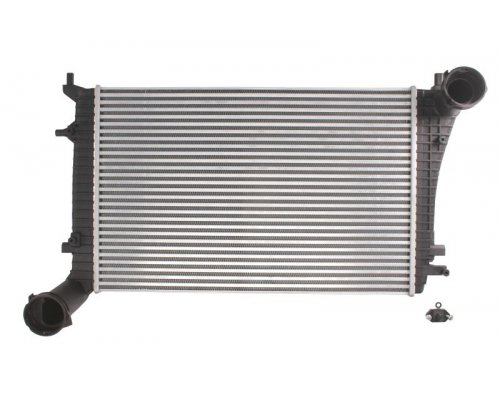 Радиатор интеркулера (двигатель BLS / BSU / BMM) VW Caddy III 1.9TDI / 2.0TDI 103kW 04-10 DAA010TT THERMOTEC (Польша)
