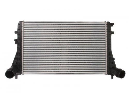 Радиатор интеркулера VW Caddy III 1.6TDI / 2.0TDI 10-15 DAA011TT THERMOTEC (Польша)