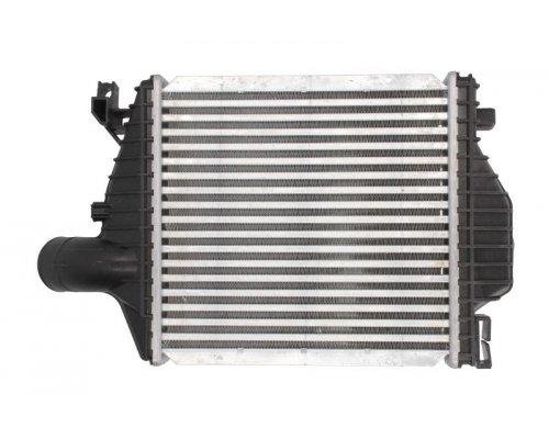 Радиатор интеркулера MB Vito 638 2.2CDI 1999-2003 DAM013TT THERMOTEC (Польша)