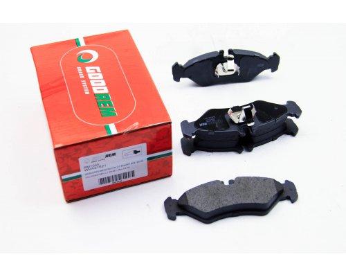 Тормозные колодки задние (141x50x17мм) MB Sprinter 208-316 1995-2006 RM1045 GOODREM (Венгрия)