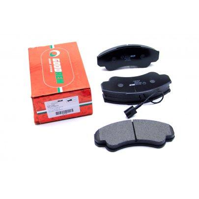Тормозные колодки передние (с датчиком, R16) Fiat Ducato / Citroen Jumper / Peugeot Boxer 1994-2006 RM1096 GOODREM (Венгрия)