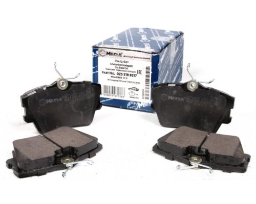 Тормозные колодки задние (без датчика) VW Transporter T4 90-03 025 218 8217 MEYLE  (Германия)