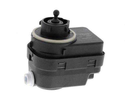Регулятор / корректор угла наклона фар Fiat Scudo / Citroen Jumpy / Peugeot Expert 1995-2006 V22-77-0002 VEMO (Германия)