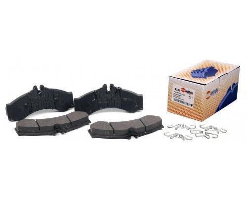 Тормозные колодки задние (с пружинками, со сдвоенным колесом) 408-416 1995-2006 4241 AUTOTECHTEILE (Германия)